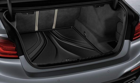 BMW Стелка за багажник G30/ серия 5